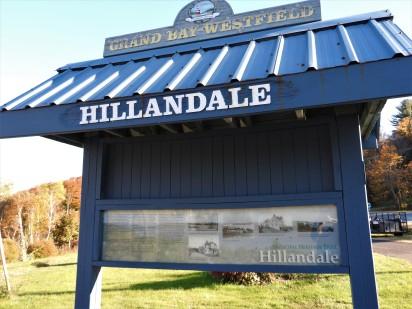 Hillandale. Heritage stop