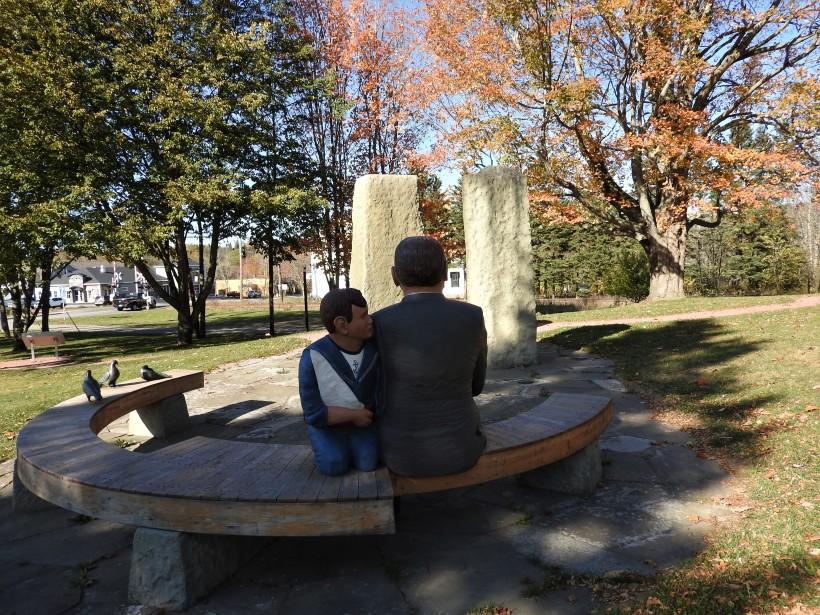 The Credo Monument