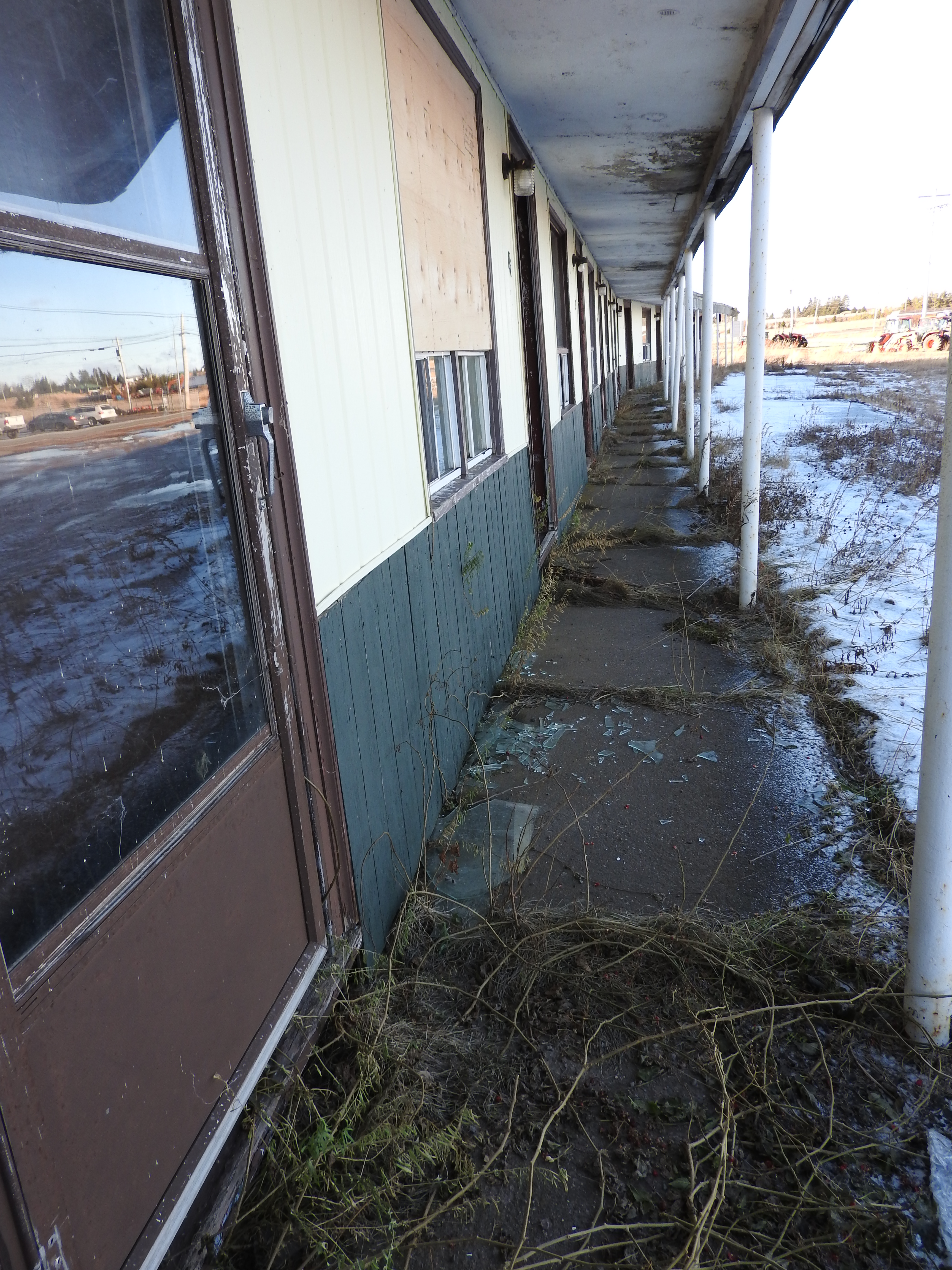 border motel Amherst.JPG